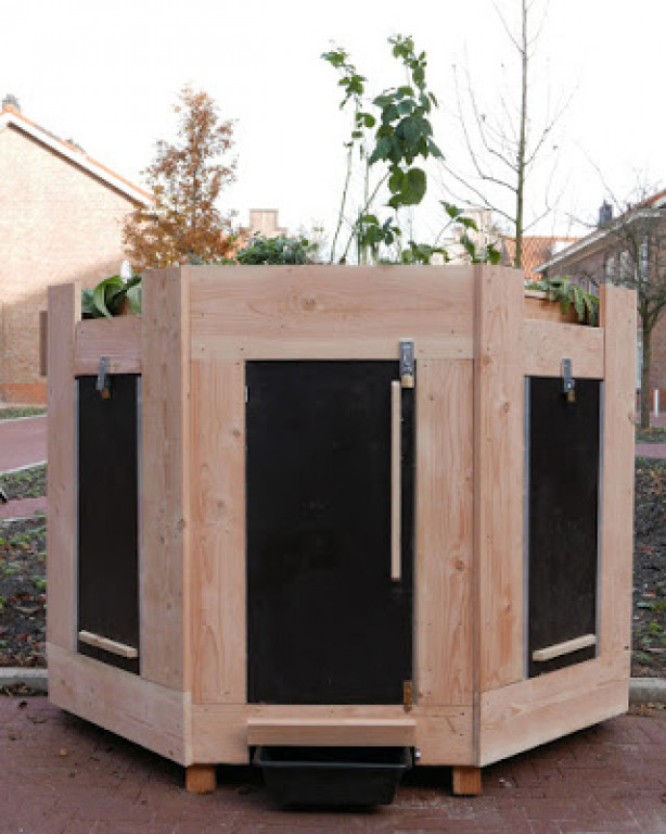 CommunityComposter_vertGarden19_kl.jpg